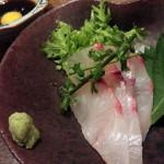 居酒屋「ひとひら」(学芸大学)のけれんみのなさたるや。魚、日本酒、内装、接客、すべてにおいて過剰な飾りがなく、シンプルな奥深さを感じさせます
