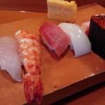 「香取鮨(かとりずし)」(学芸大学・祐天寺)で食べたランチの握りは、実直でおいしい寿司でした~学大、いや日本中、丑だらけ