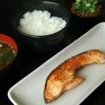 松本商店(学芸大学)の鮭で純和食ランチを作ってみたらうまかった~学芸大学で一番古いビルは第一ストアービル