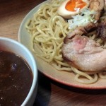 環七の龍雲寺交差点近くにオープンした「カレー屋 麺八(めんぱち)」でカレーつけ麺を食べてみた