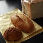 「麦ばたけ」(学芸大学)のパンは調理したり食事に合わせたりもしやすい、素朴でおいしいパンでした~タン丸ごと一本煮込みに合わせたり、「BawLoo(バウルー)」でホットサンドにしてみたり