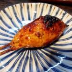 「炭火串焼き 中村屋」(学芸大学)の焼き鳥はジューシーで濃厚な味わい。学大では珍しい15時(もしくは16:30)オープン。早い時間から飲めます!
