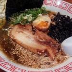 「尾道のりこ家 学芸大学駅近店」で尾道ラーメンを食べてみました。かなり塩味(えんみ)がきつめでパンチがあるのですが、これが尾道ラーメンなんだと思います