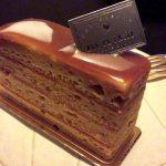 「リュードパッシー(pâtisserie RUE DE PASSY)」(学芸大学)のケーキ・キャラメル サレは甘くて塩気があって濃厚で重厚。ケーキの奥深さを思い知らされる一品でした