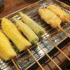 「千本ラブ」(学芸大学)の京都串カツは衣にダシがきいていて薄めで上品。自分で作るポテサラがおいしかったです。