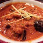 「Asian Dining & Bar Sita(アジアンダイニング&バー シータ) 学芸大学店」のインドカレーは濃厚でおいしくて、ただでさえ巨大なナンがランチは食べ放題