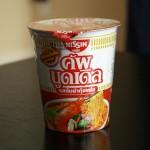 タイ現地版のトムヤムクンヌードルを食べてみた~日本版とタイ版の違いは?