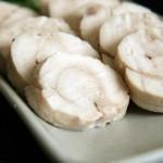 鶏ムネ肉のロールハムはヘルシーだけど食べごたえ十分。オシャレでパーティーメニューとしても喜ばれます