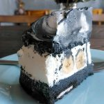 「AWORKS(エーワークス)」(学芸大学)のチーズケーキ、グリーンカレーは見栄えがして、味わいは濃厚。作り手の想いが色濃く出ている料理は記憶に濃く残ります。