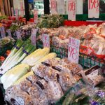 学芸大学駅前の「ボラボラ」は安くて新鮮な野菜がいっぱいある八百屋さん。野菜がおいしいと料理が楽しくなります!フルーツはお土産にも喜ばれます!~半熟卵乗せポテサラ、「ボラボラ」オマージュポテサラを作ってみた