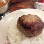 松任谷由実も好きだという「BOTERO(ボテロ)」(駒沢大学)のハンバーグステーキカレーを食べてみた