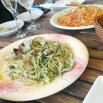 フラミンゴカフェ グラッセリア青山はランチのサラダバーがお得でパスタもピザも絶品!南国リゾートのような店内・テラス席はデートや女子会にもピッタリです。