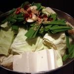 「げってん」(学芸大学)の熟成醤油もつ鍋はまろやかなスープ。もつはプリプリで、〆の雑炊もおいしかったです