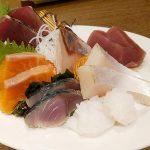 学芸大学の「和酒 鮮魚居酒屋 ぐでんぐでん」でお得な刺盛りやおでん、しらすの土鍋ご飯など、静岡を感じさせるメニューを食べてきた