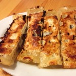 「餃子や獅丸」(駒沢大学・東中野)は普通の餃子はもちろん、羊肉棒餃子が絶品で、汁なし担々麺も衝撃的なうまさ。とにかく安くておいしい餃子屋さんです。