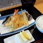 天ぷら屋・カブ(学芸大学)の天ぷらは軽くておいしくて、昭和モダンを思わせるしつらえが自分好みすぎて、萌えて悶えた