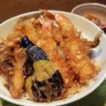 """「天ぷら割烹 川さき」(学芸大学・武蔵小山)の天丼は最高においしくて、猫好きなご主人と奥様がとても素敵でした。こういう店が""""いい店""""なんです"""