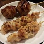 学芸大学の鶏料理屋「青木養鶏場直送店 おかもと家」で焼き鳥、唐揚げをつまみつつ、人の、街の縁を感じた楽しい夜