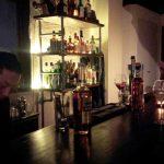 「Bar Songbird(ソングバード)」(学芸大学)は広くてオシャレ。ソファーもあってゆったりで、学大では珍しい感じ。一人でも大人数でも利用できる心地のいいバーです。