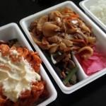 「マイキッチン たきたて」(駒沢大学)のお弁当はメニューが多い!出てくるのが速い!ボリュームがすごい!