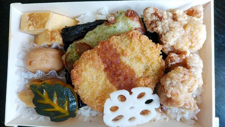 日本料理月村の高級感あふれるお弁当