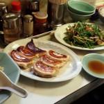「北京定食 やまちゃん」(大岡山)のボリューミーでパンチのある料理は超絶で完璧!楽しくて優しいご夫婦も最高でした。一日に二度行くハメになったのですが、イライラなんていらないです!